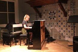 It Toanhús geeft piano in bruikleen aan Museum Joure